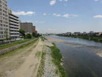 05.宝塚大橋から下流を写した図